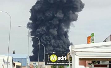 Podemos exige extremar las precauciones para garantizar la salud de los vecinos tras el incendio de la planta de Requimsa en Arganda del Rey