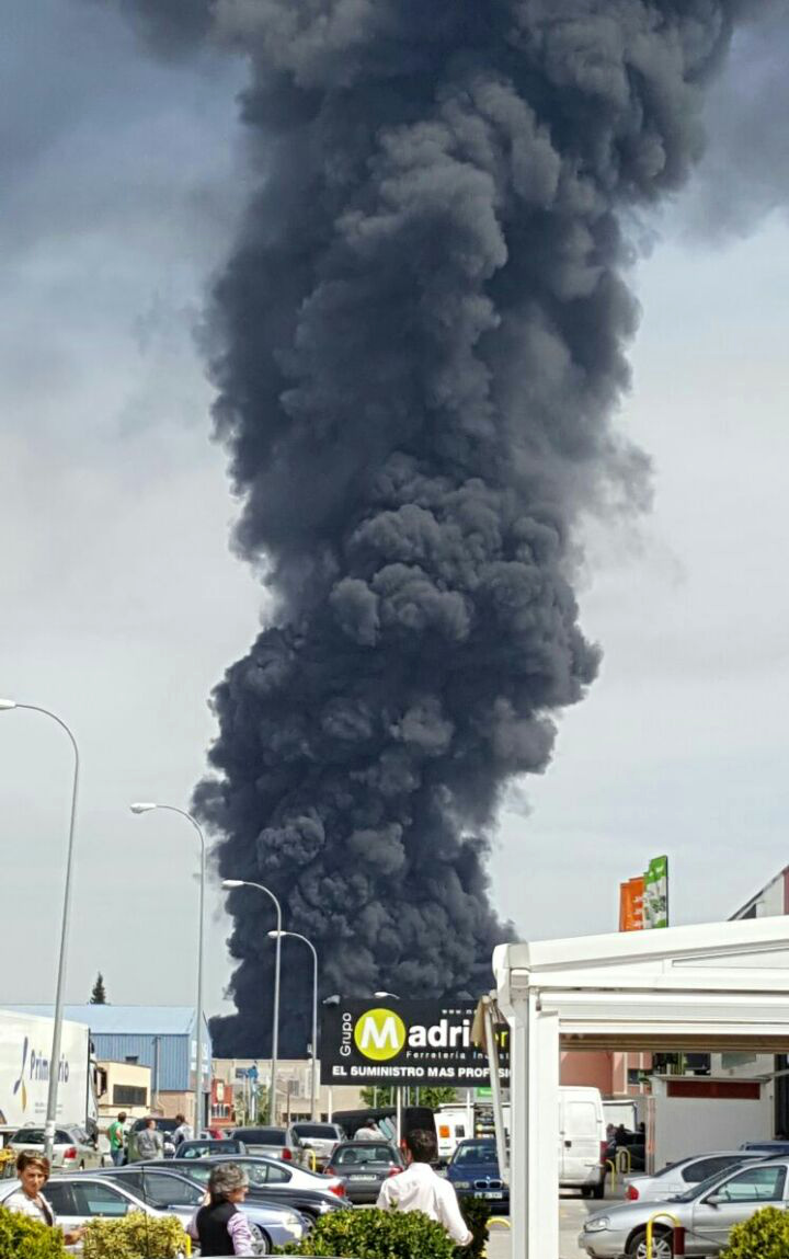 Incendio de la planta de Requimsa en Arganda del Rey