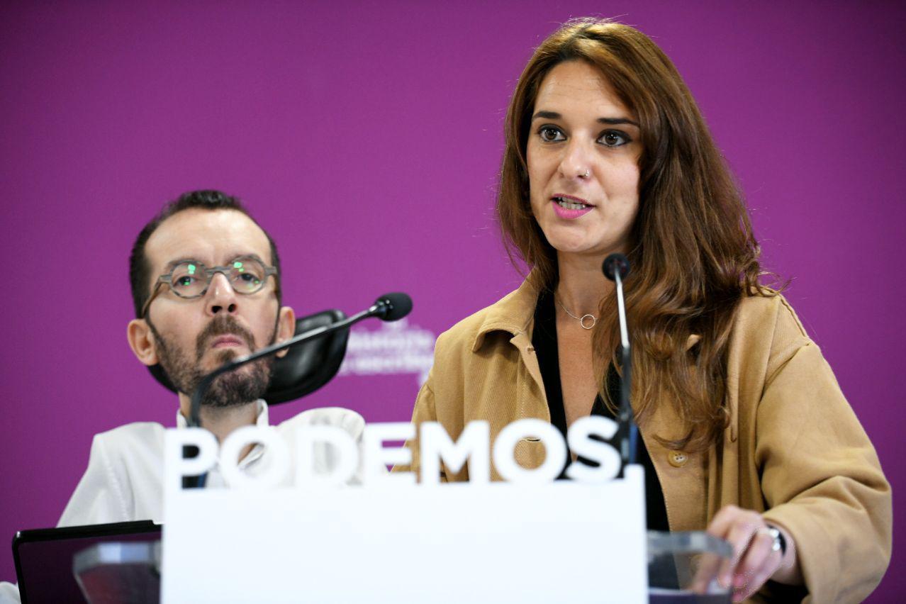 Pablo Echenique, secretario de Organización y Acción de Gobierno de Podemos, y Noelia Vera, secretaria de Participación de Podemos