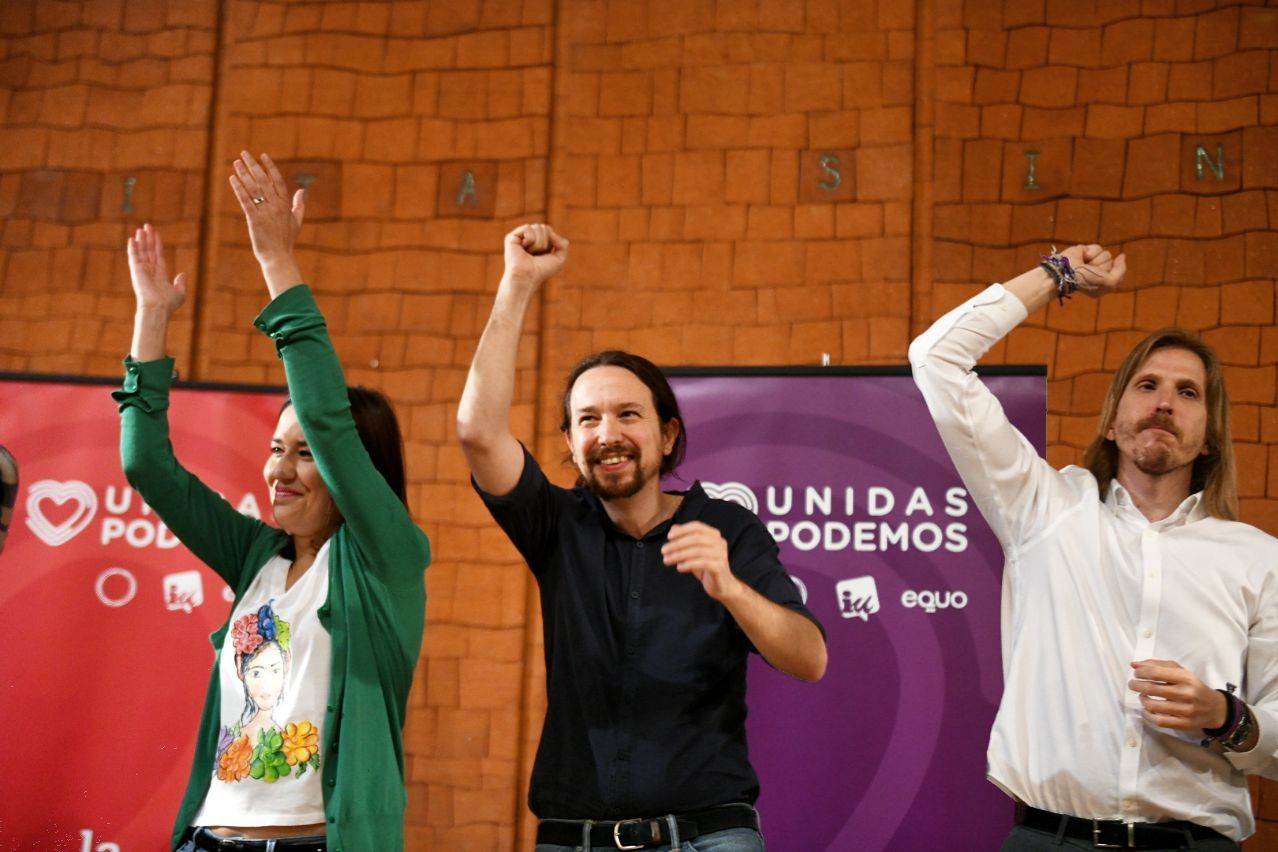 Pablo Iglesias, Ana Marcello y Pablo Fernández en el acto en León. FOTO: DANI GAGO