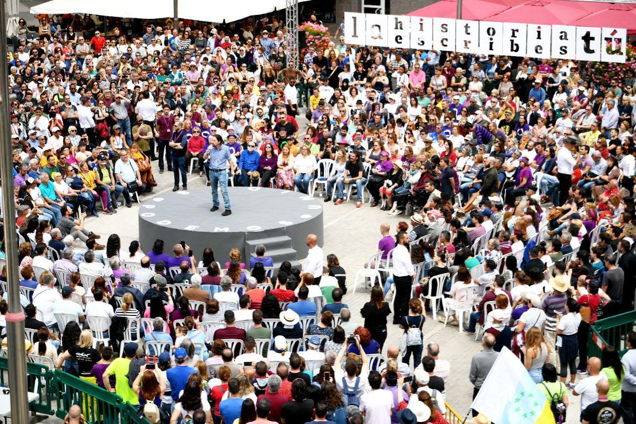 Pablo Iglesias en el acto celebrado en Guanarteme. FOTO: DANI GAGO
