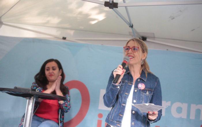 Imagen de la candidata de Unidas Podemos Cambiar Europa en el acto de La France insoumise. FOTO: Irene Lingua