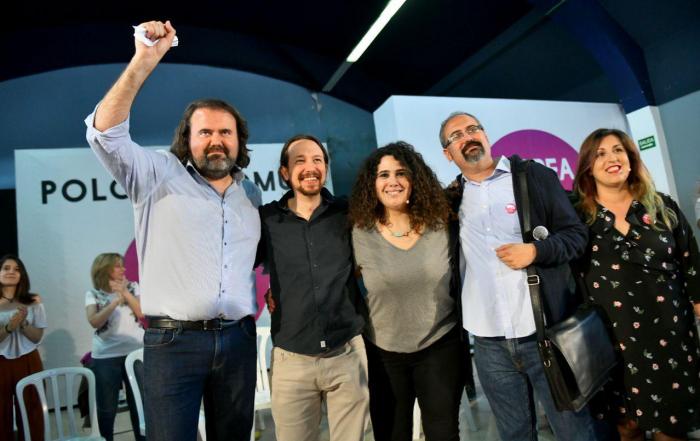 Pablo Iglesias en Vigo junto a los candidatos y candidatas al Ayuntamiento. FOTO: DANI GAGO