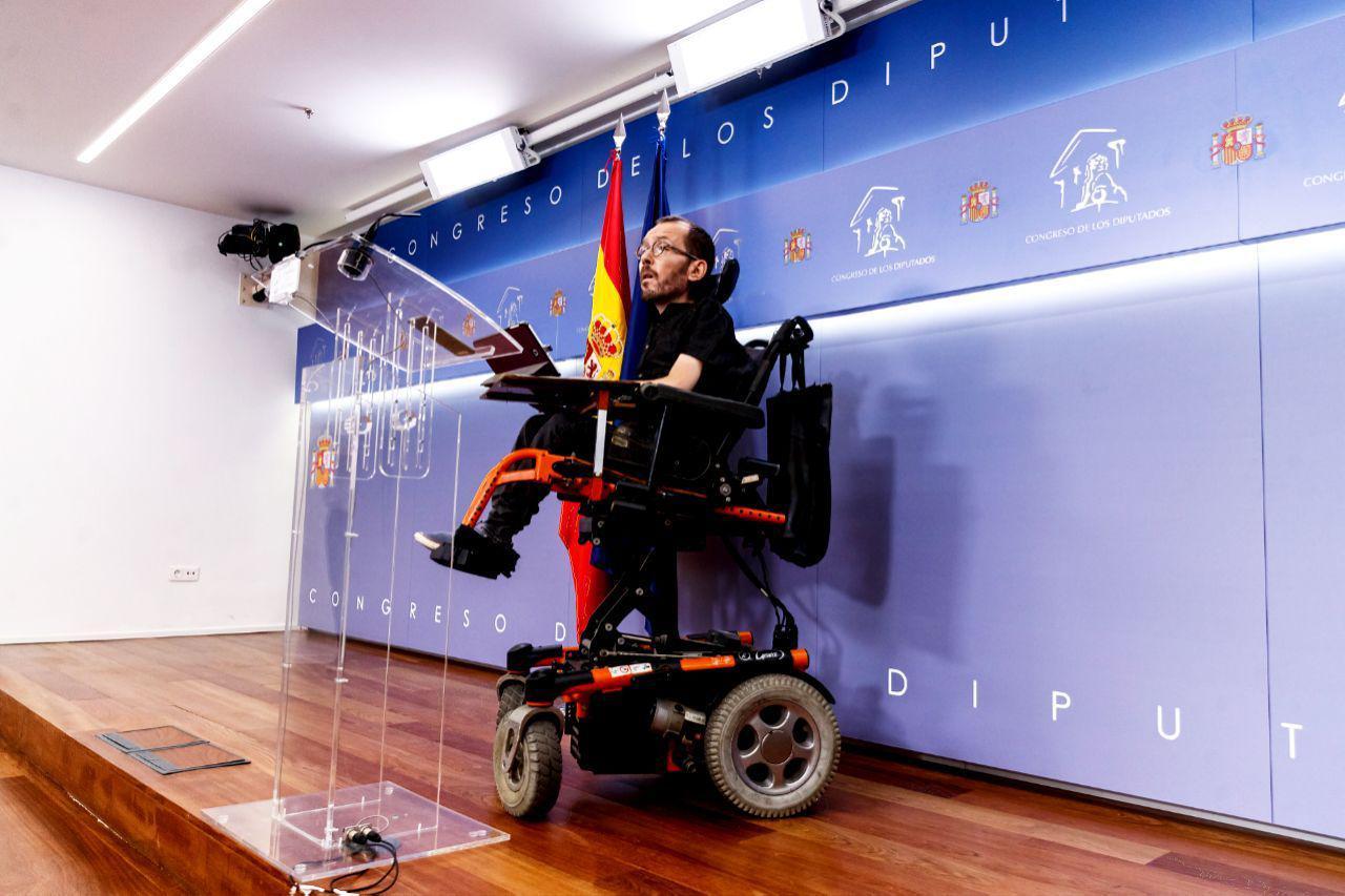 Pablo Echenique durante la rueda de prensa ofrecida en la mañana de hoy